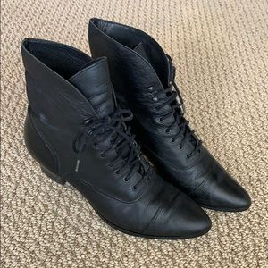 Bass leather booties 7.5